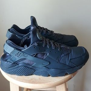 NIKE AIR HUARACHE MEN'S SZ. 12